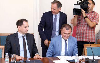 Ministar Ivan Malenica (lijevo) na sjednici Odbora za ljudska prava (Foto: Patrik Macek/PIXSELL)