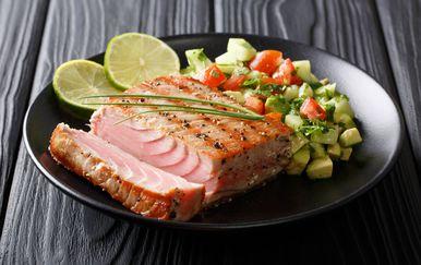Tuna s avokadom