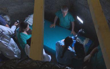 Liječnici istražuju kosti pronađene u Vatikanu (Foto: Dnevnik.hr)