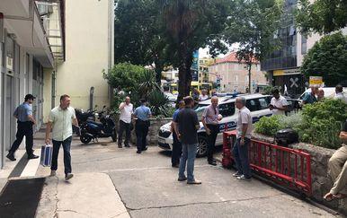 Zbog prijetnje bombom evakuirana zgrada Slobodne Dalmacije u Splitu (Foto: Slobodna Dalmacija)