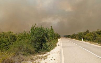 Požar u Vrani kod Pakoštana - 2