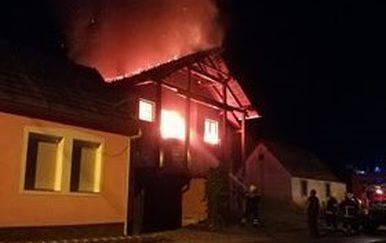 Požar u Brestovcu (Foto: Požega.eu)