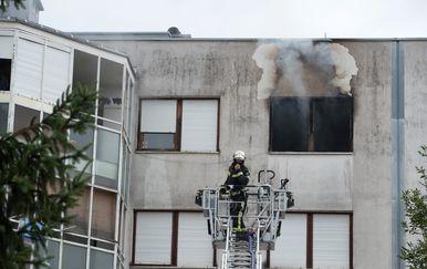 Požar u stambenoj zgradi u Zagrebu (Foto: Davor Puklavec/PIXSELL) - 3