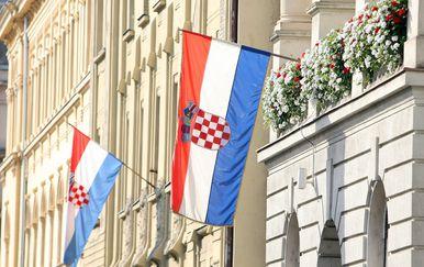 Zastava (Foto: Luka Stanzl/PIXSELL)