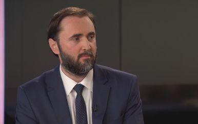 Dr. Krešimir Luetić, predsjednik Hrvatske liječničke komore, u Dnevniku Nove TV (Foto: Dnevnik.hr) - 2