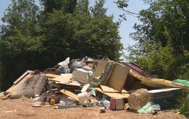 Šume u Istri postale su prava ilegalna odlagališta glomaznog otpada (Foto: Dnevnik.hr)