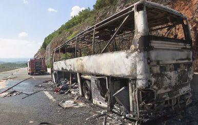 Autobus koji je izgorio na autocesti A6 (Foto: Dnevnik.hr) - 2
