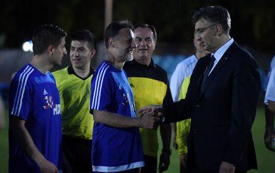 Odigrana nogometna utakmica zvijezda protiv članova HDZ-a (Foto:Marko Lukunic/PIXSELL) - 4