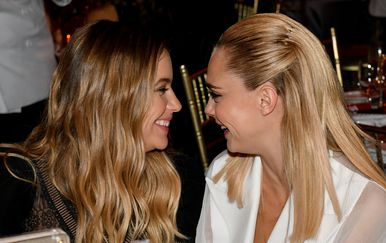 Cara Delevingne i Ashley Benson (Foto: Getty Images)