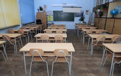 Školske klupe (Foto: Dusko Jaramaz/PIXSELL)