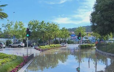 Poplava u Splitu zbog puknute cijevi - 4