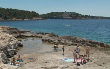 Kupanje na plaži - 2