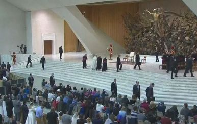Reakcije na izjave pape Franje o plaćanju misa (Video: Dnevnik Nove TV) - 2