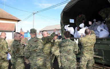 Vojska u Letovaniću (Foto: Nikola Cutuk/PIXSELL)