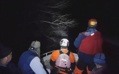 Nadljudskim naporima spasioci građane brane od poplava (Foto: Dnevnik.hr) - 4
