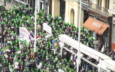 Računalo broji prosvjednike (Screenshot: YouTube)