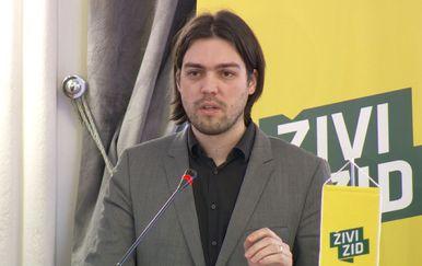 Predsjednik Živog zida Vilibor Sinčić na predstavljanju njihova prijedloga novog ovršnog zakona (Foto: Dnevnik.hr)