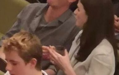 Andrew Garfield i Aisling Bea (Foto: Twitter)