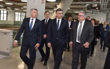 Premijer Plenković obišao novu zgradu putničkog terminala u Gaženici (Foto: Hrvoje Jelavic/PIXSELL)