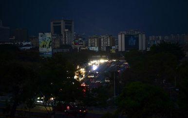 Venezuela bez struje (Foto: AFP)