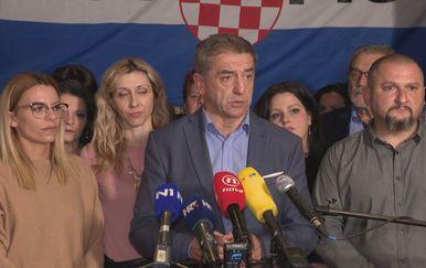 Konferencija za novinare Darka Milinovića nakon objave rezultata izbora u Lici (Foto: Dnevnik.hr)