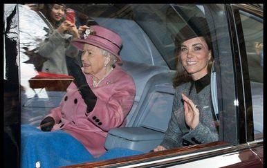 Kate Middleton i kraljica Elizabeta (Foto: Profimedia)