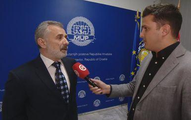 Stjepan Gluščić iz Ministarstva unutarnjih poslova i Domagoj Mikić (Foto: Dnevnik.hr)