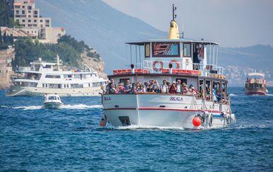 Izletnički brod, arhiva (Foto: Pixell)