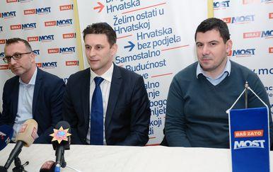 Božo Petrov i Nikola Grmoja u Sisku (Foto: Nikola Cutuk/PIXSELL)