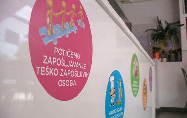 Bistro Punkt u Puli zapošljava osobe s invaliditetom (Video: Dnevnik Nove TV)