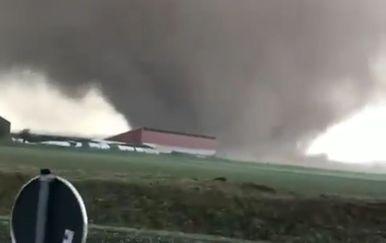 Tornado u Njemačkoj (Foto: Facebook)