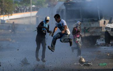 Kaos u Venezueli (Foto: AFP) - 2