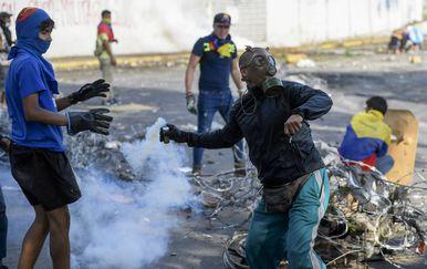 Kaos u Venezueli (Foto: AFP) - 3