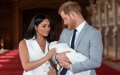 Meghan Markle i princ Harry 8. svibnja predstavili su svijetu svog sinčića