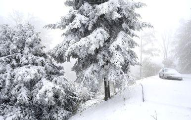 Na Sljemenu napadalo novih 10-tak cm snijega. (Foto: Patrik Macek/PIXSELL) - 2