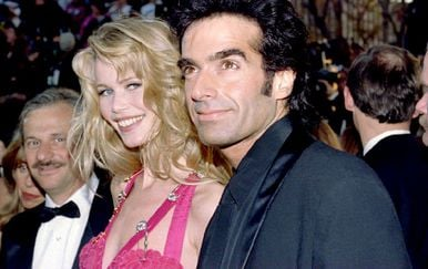 Claudia Schiffer i David Copperfield (Foto: AFP)