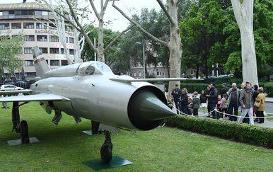 Brojni građani došli vidjeti Perešinov MiG (Foto: MORH) - 1