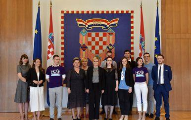 Predsjednica Republike primila predstavnike inicijative \'\'Hod za život\'\' (Foto: Ured PRH) - 2