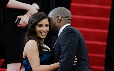 Kim Kardashian i Kanye West (Foto: AFP)