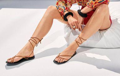 Takozvane gole sandale prepoznatljive su po minimalističkom dizajnu i tankim remenčićima
