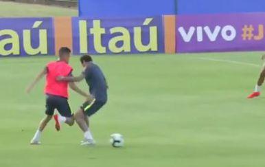 Neymar ruši Wevertona (Screenshot)