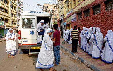 Hitna pomoć u Indiji (Foto: AFP)