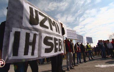Prosvjed protiv useljivanja Roma u zgradu na Petruševcu (Foto: Dnevnik.hr) - 1