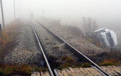Nalet vlaka na kombi (Foto: Damir Spehar/PIXSELL)
