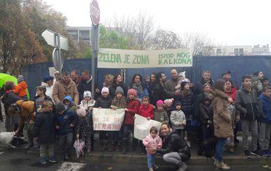 Miran prosvjed stanara Donjeg grada u Ulici kneza LJudevita Posavskog (Foto: Dnevnik.hr) - 1