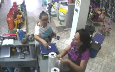 Brazil su stigla takva vremena da su građanima novčanice počele otimati i ptice (FOTO: YouTube/Screenshot)