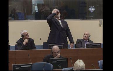 Praljak popio otrov? (Foto: Dnevnik.hr) - 2