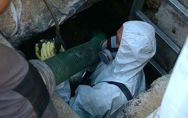 Problemi s čišćenjem kanalizacije ispod Straduna (Foto: Dnevnik.hr)