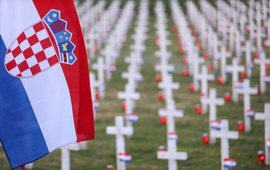 Memorijalno groblje žrtava iz Domovinskog rata (Foto: Petar Glebov/PIXSELL)
