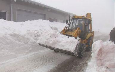 Čišćenje snijega (Foto: Dnevnik.hr) - 2